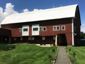 Hiddencroft Vineyards barn