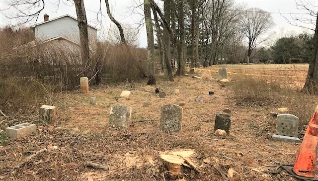 Mount Sinai Cemetery in early 2019. Photo courtesy Loudoun County Department of Planning.  Paris family headstones are in the front row.