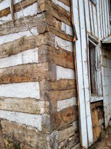 Ruse logs corner